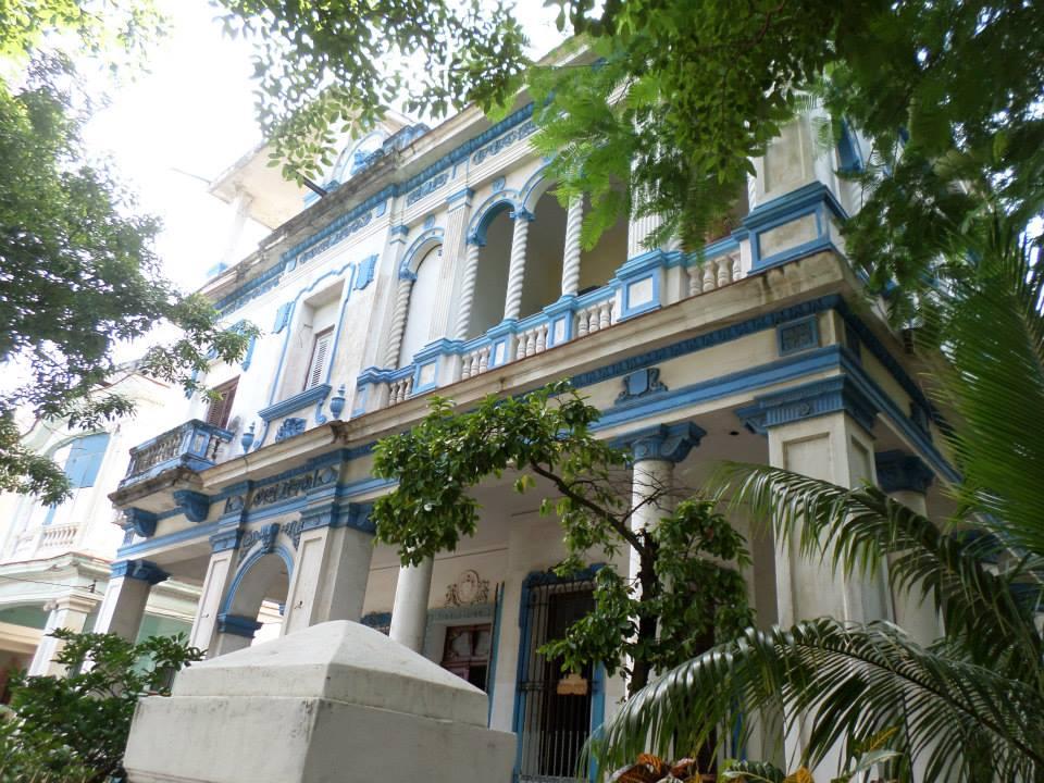 Cuba old grandeur